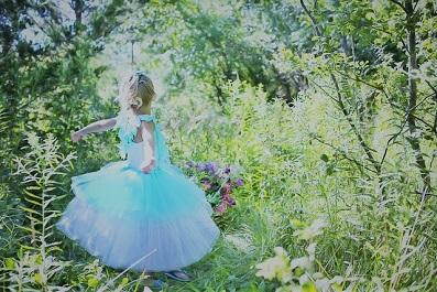 小さな女の子 ドレス2.jpg