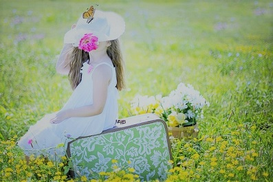 girl-ピンクの花2.jpg