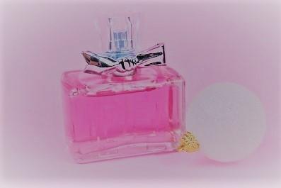 perfume-白いボール 2 (b) (2).jpg
